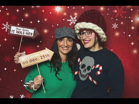 Night Photography: Holiday portrait photo booth setup and camera settings