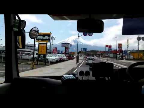 Retro Bus - Lake Kawaguchiko (mt fuji)
