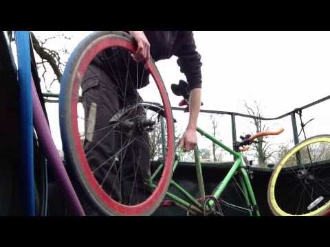 Changing Fixie Tyres Front and Back