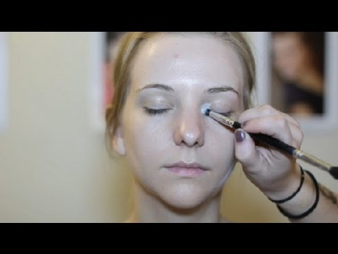 What Makeup Do I Use to Highlight the Inner Corners of My Eyes? : Makeup & Beauty Tips