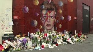 Fans pay tribute to
