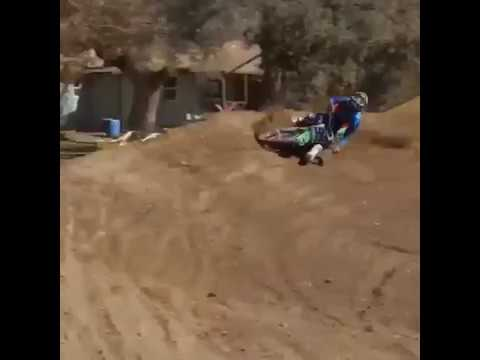 two stroke 125 crash in turn - how to broke collarbone or shoulder in a turn