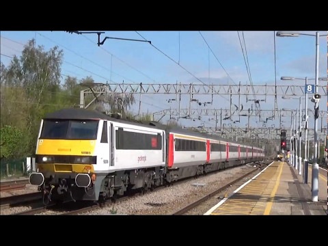 Trains at Colchester | 12/04/2017