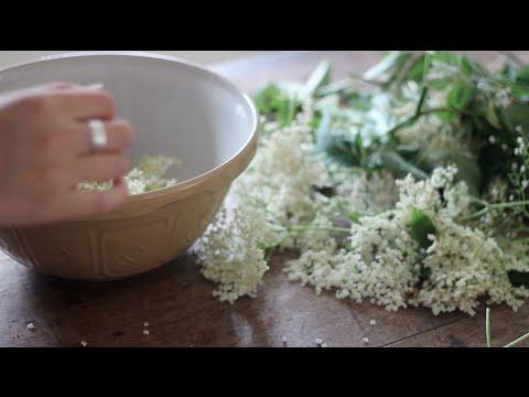 My homemade elderflower cordial | Heather At Home