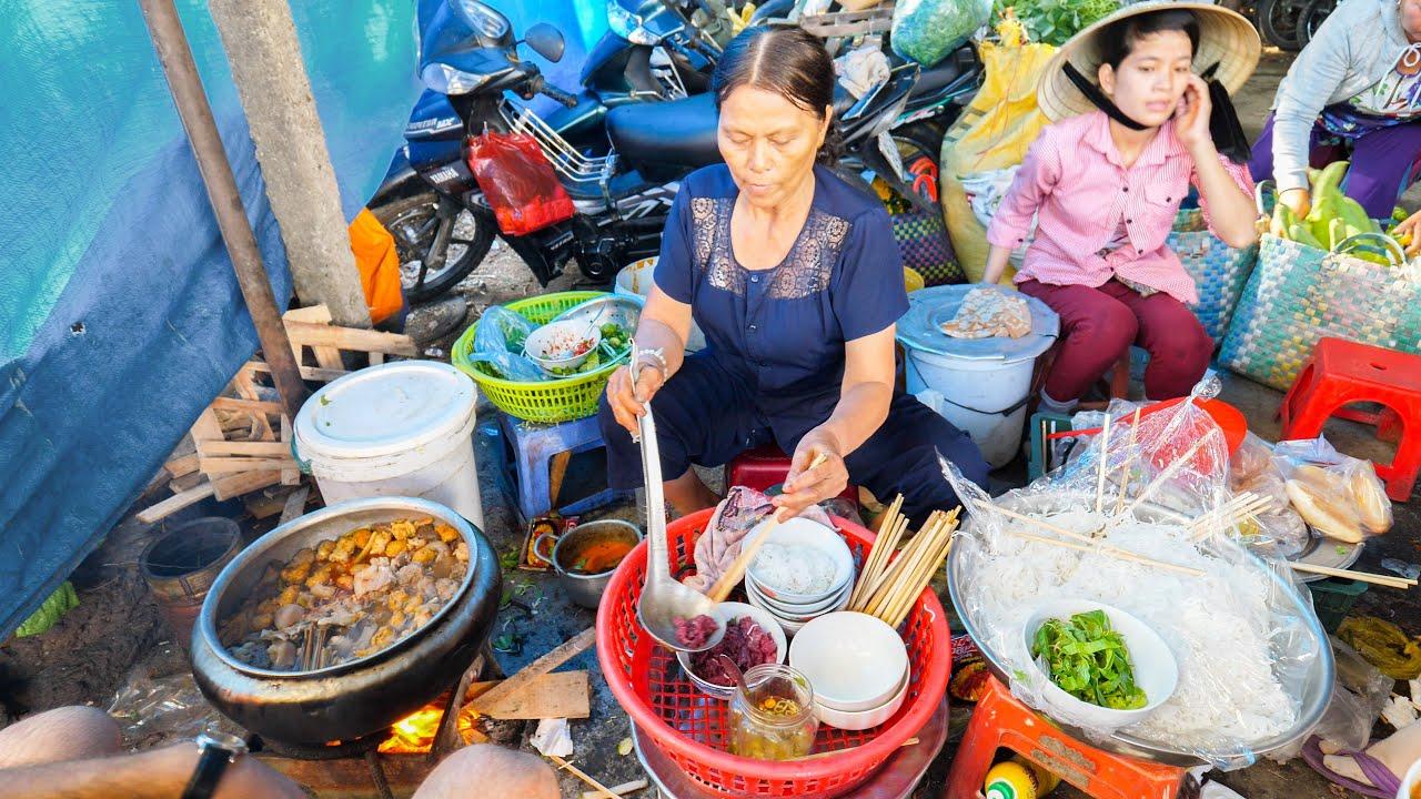 HUGE Street Food Tour of VIETNAM   MOST UNIQUE Street Food in Vietnam   HUE