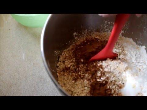 Applesauce Oatmeal Blender Muffins   breakfast to go!
