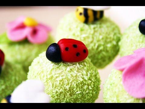 Mini Marzipan Ladybugs (English) - VoorJeTaart.nl