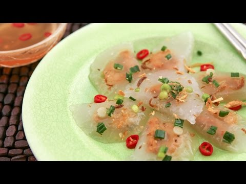 Clear Shrimp and Pork Dumplings/Shrimp and Pork Tapioca Cakes (Banh Bot Loc Tran)