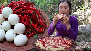 Grilled Eggs recipe With peppers in clay for Food in ne wild - Cook peppers and Eat delicious # 110