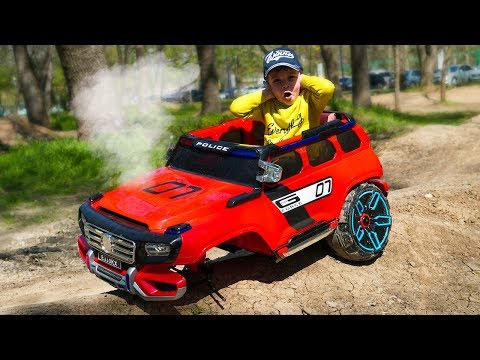 The wheel fell off on Mercedes Police car Funny kid ride on Power Wheels Cars video for kids
