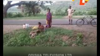 Woman delivers on road side after asked to 'go back' by docs
