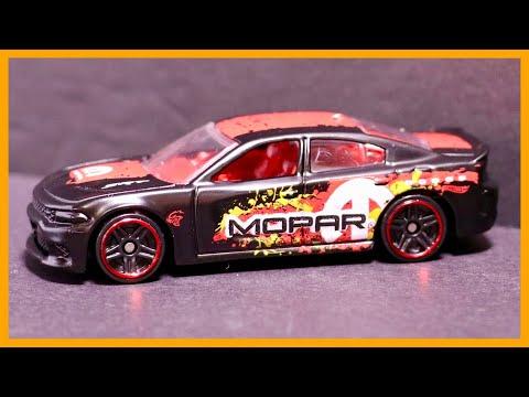 2015 Dodge Charger SRT Track Test & Review - Hot Wheels