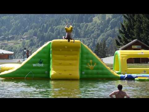 Montage du Parc Aquatique Wibit Les Gets