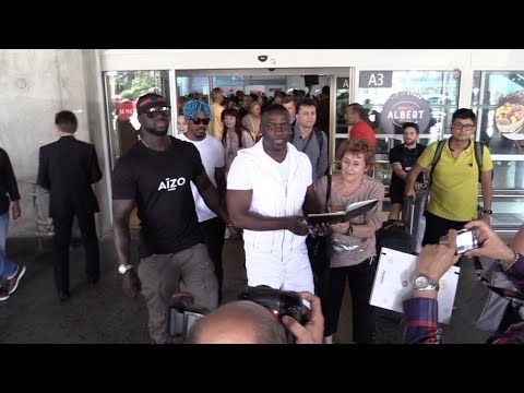 EXCLUSIVE : Akon arriving at Nice airport for Cannes Film Festival