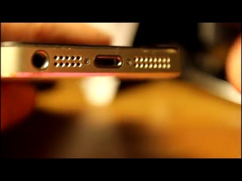 How to: Remove iPhone screws with a kitchen knife