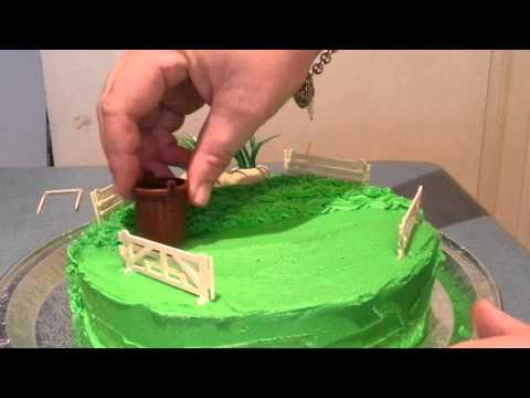 Easy DIY Cake Decor : Lawnmowing cake