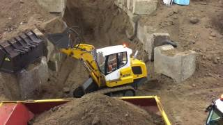 RC Crawler Loader working at the tunnel