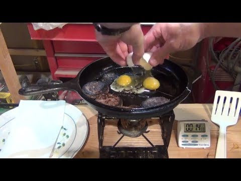 Cooking with a soda can alcohol stove - HD