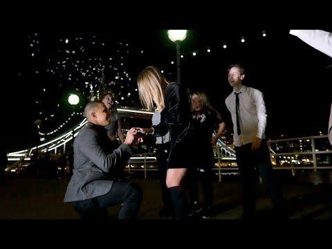 Romantic London Bridge Flash Mob Proposal!