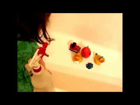 How to clean bath toys and get your child happy to help you