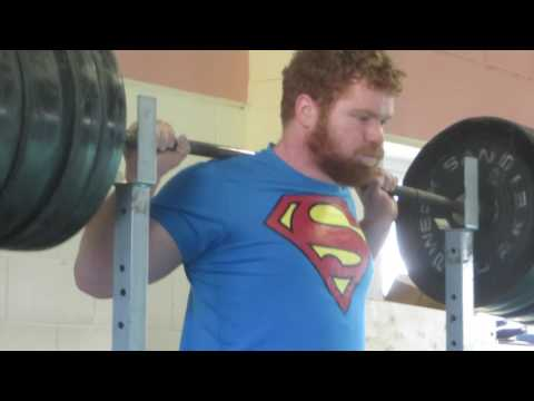 Eoin Squats 240kg/529lbs for 5 reps!!!