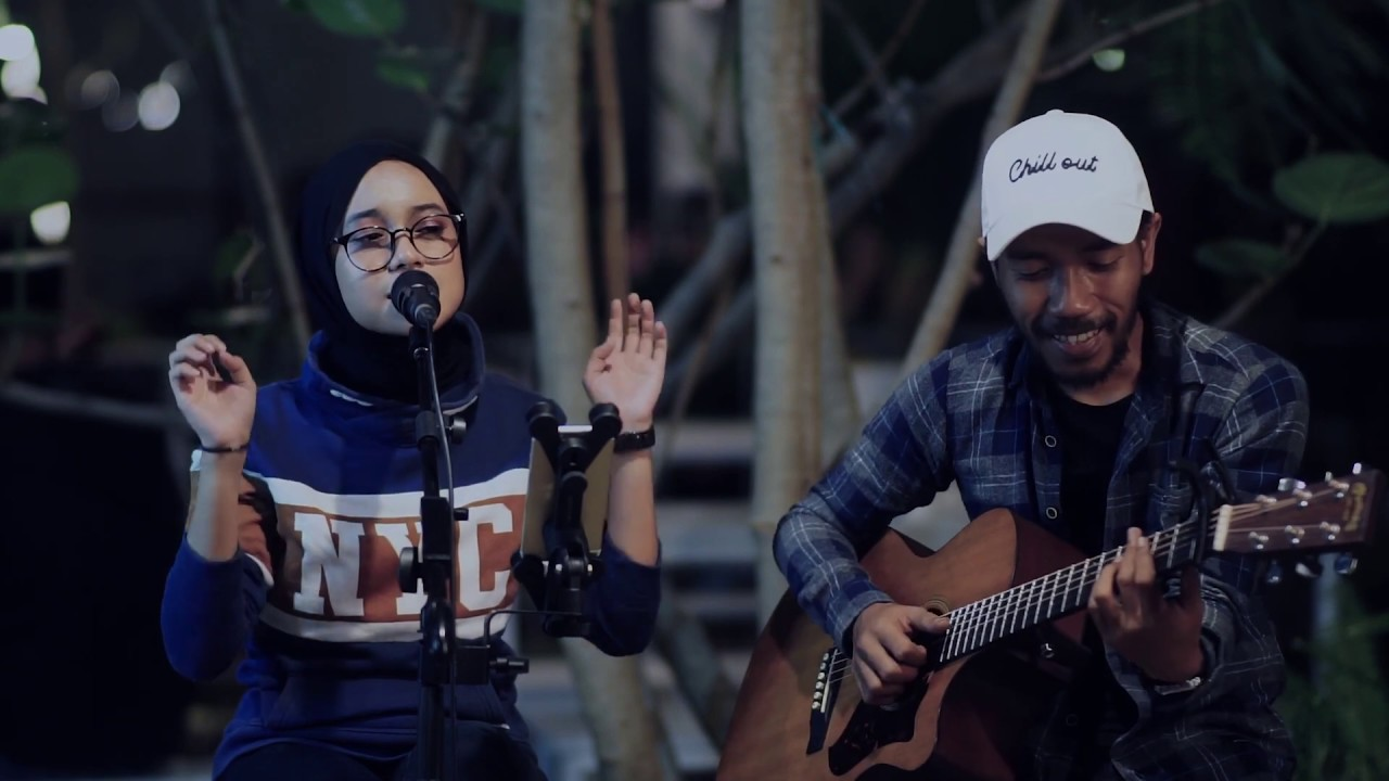 Download Teman Tapi Mesra - Ratu Cover Syalsabila Firdausyah MP3 Gratis