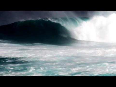 Eddie Swell - Albee Layer Barreled at Pe'ahi, Jaws Maui