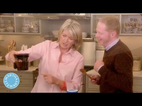 How to Prepare a Thanksgiving Gravy with Jesse Tyler Ferguson- Martha Stewart
