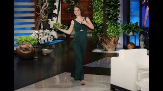 Ellen's Voice Relaxed Ellie Kemper While Breastfeeding Her Son