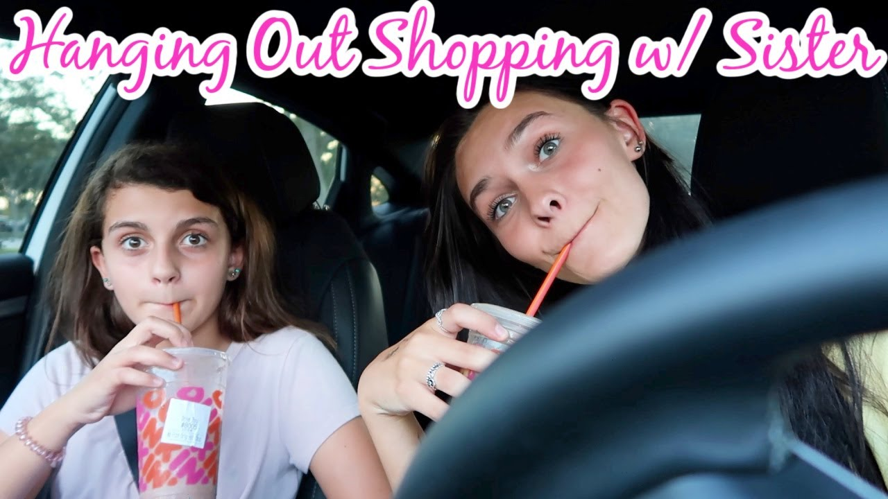 HANGING OUT WITH MY SISTER! SHOP WITH US! EMMA AND ELLIE