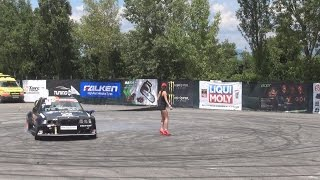 Drift Strip Show in 3D
