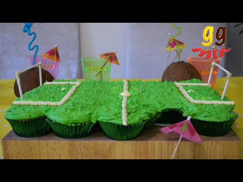 Tropical Football Pitch Pull Apart Cupcake Cake | ggmix