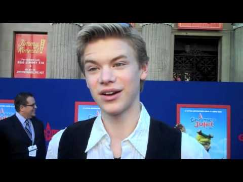 Celebs Spill on Love at First Sight at the GNOMEO & JULIET Premiere!