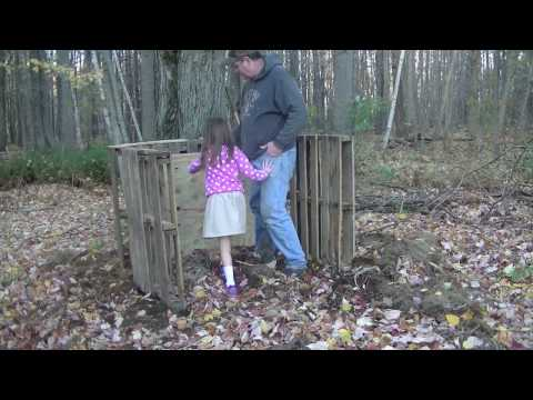 Making A Compost Bin Out of Scrap Wood/Pallets