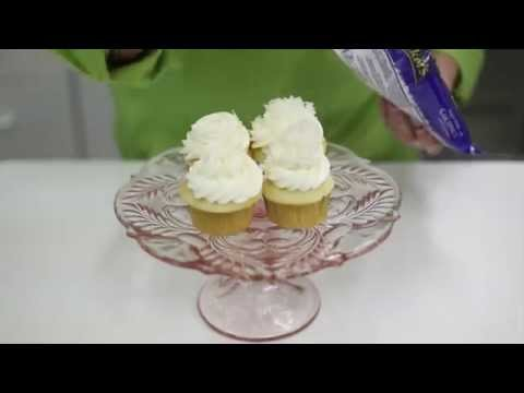 Quick Tip: FIlling A Cupcake