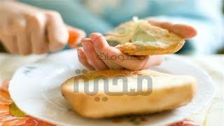 #x202b;لصحتك هل تعلم ما سيحصل عند وضع القليل من الخل على قطعة خبز اليكم التفاصيل#x202c;lrm;