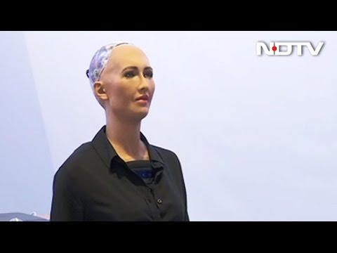 Sophia: A Robot That Looks and Talks Like a Human and Displays Humanlike Emotions