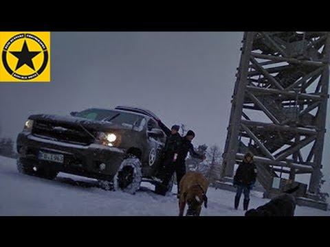 HEAVY SNOW ACTION on Chevy Suburban (Monkey Snow Patrol)