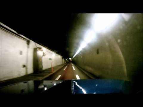 mini clubman going trough Heathrow tunnel
