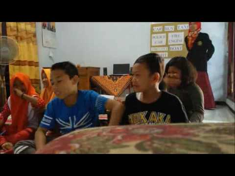 Teaching English for Young Learners Reading Skill STKIP PGRI JB 2015A