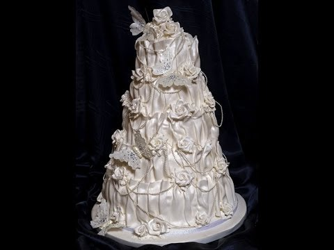 Learn to decorate a vintage wedding cakes