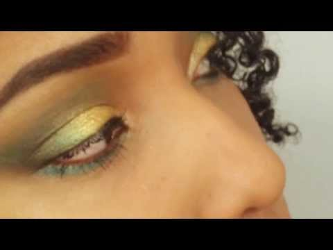 Aqua Golden Makeup Look