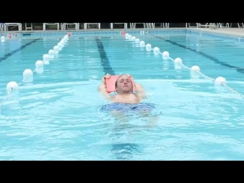 How to Use Swimming as Exercises for Abs : Swimming Tips