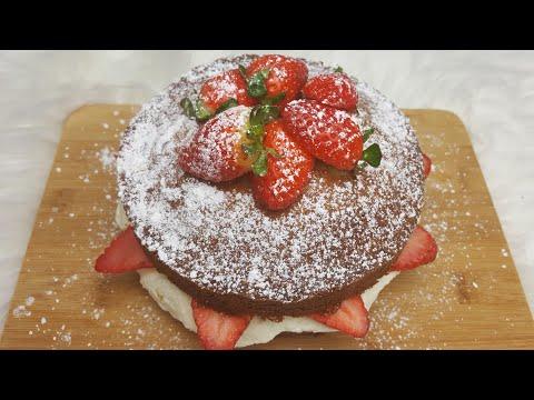 Classic Victoria Sponge Cake | Homemade