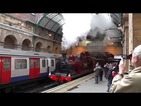 LU150 Steam Train @ Paddington Underground Stn