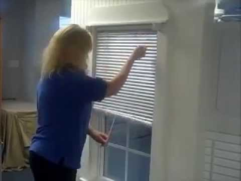How to Clean Horizontal Window Blinds