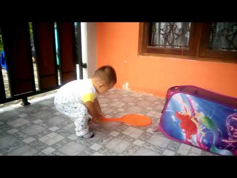 How My Funny Baby Learn to Walk