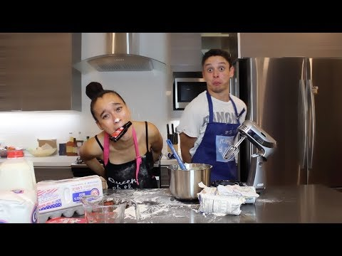 BAKING WITH NO HANDS CHALLENGE w/ Oscar Guerra