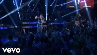 Brantley Gilbert - Bottoms Up (Live on the Honda Stage at iHeartRadio Theater LA)