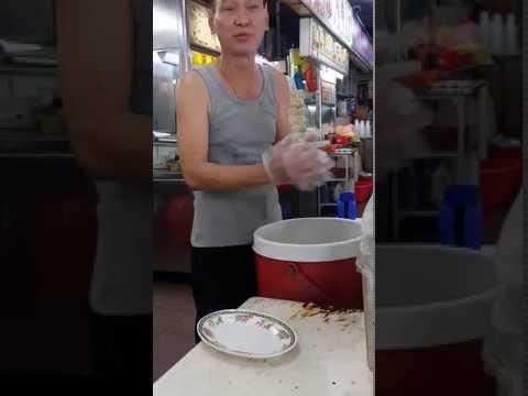 Bouncy Hainan Chicken Rice Ball 会跳的海南鸡饭球